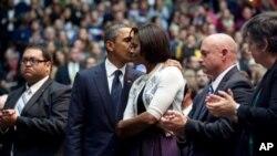 奥巴马在图森市悼念仪式上讲话后