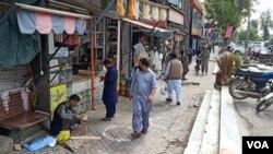 قومی رابطہ کمیٹی کے فیصلے کی روشنی میں پنجاب، سندھ اور وفاقی دارالحکومت اسلام آباد میں محدود پیمانے پر کاروباری سرگرمیاں بحال ہونا شروع ہو گئی ہیں۔