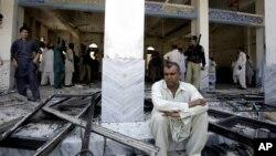 21일 자살 폭탄 테러가 발생한 파키스탄 페샤와르 주의 시아파 사원.