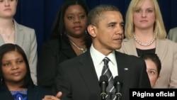 """El mandatario subrayó que los """"desafíos que enfrentan las mujeres son los mismos que enfrentan todos en el país"""". (Casa Blanca)."""