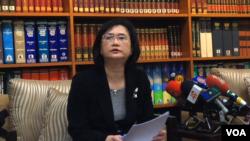 台湾外交部公共外交协调会执行长兼發言人王珮玲(美国之音申华拍摄)