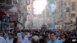 Turkey's population skews young, with a large, able workforce, Istanbul, 12 June 2010
