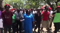 Izisebenzi Zikahulumende Zitshengisela Phezu Kweholo