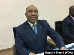 Oumar Ibrahim Touré, commissaire a la sécurité alimentaire du Mali à Bamako, le 17 décembre 2017. (VOA/Kassim Traoré)