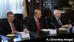 سناتوران امریکایی پس از دیدار با مقامهای پاکستانی، با رهبران افغان دیدار و گفتگو کردند