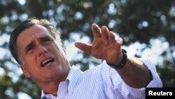 美國共和黨總統候選人羅姆尼星期一在佛羅里達州聖奧古斯丁發表競選演說