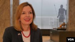 Meri Rojs, pomoćnica američkog državnog sekretara za obrazovanje i kulturu, tokom intervjua za Glas Amerike, u Narodnom muzeju u Beogradu, 15. marta 2019.