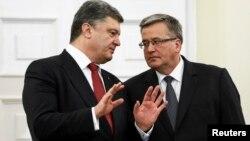 Петр Порошенко и Бронислав Коморовский. Варшава, Польша. 17 декабря 2014 г.
