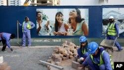 Para pekerja India bekerja di sektor konstruksi di kota Dubai, Uni Emirat Arab (foto: ilustrasi).