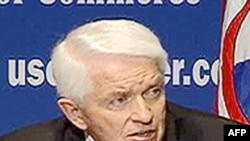 Chủ Tịch Phòng Thương Mại Tom Donohue nói mặc dầu có cải thiện, tình trạng phục hồi kinh tế hãy còn rất mong manh và không đều