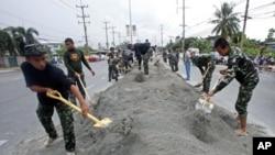 在泰國,洪水造成280多人死亡