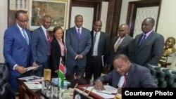 Rais Uhuru Kenyatta atia saini mswada wa kudhibiti viwango vya riba nchini. Jumatano Agosti 24, 2016