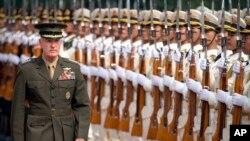 Đại Tướng Joe Dunford, Chủ tịch Hội đồng Tham mưu trưởng Liên quân Hoa Kỳ tại Bắc Kinh 15/8/2017.
