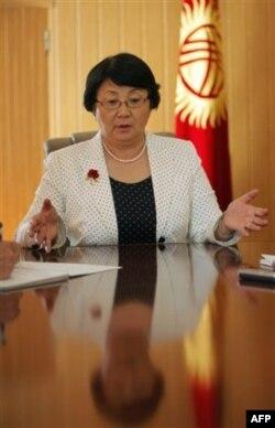 Otunbayeva nomzodini qo'ya olmaydi, lekin da'vogarlar juda ko'p