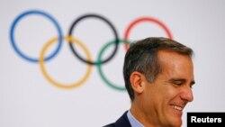 洛杉矶市长贾希提在瑞士洛桑参加2024年夏季奥运会主办城市决选的简报会 (2017年月11日)