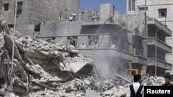 Un quartier d'Alep, suite à une frappe aérienne mercredi