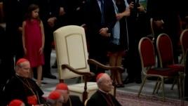 Një mysliman ndërton karrigen e Papës