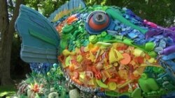 At National Zoo, Captivating Animal Sculptures Illustrate Tragedy of Ocean Pollution