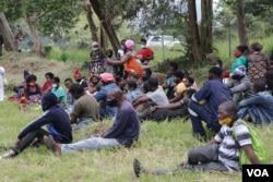 Some of the COVID-19-positive returnees at Mapanga Quaratine Centre in Blantyre, Malawi, Jan. 11, 2021. (Lameck Masina/VOA)