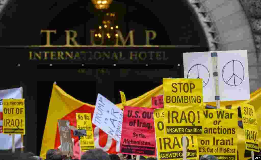 واشنگٹن میں ٹرمپ انٹرنیشنل ہوٹل کے باہر بھی مظاہرہ کیا گیا۔ جس میں لوگوں نے پلے کارڈز اٹھائے ہوئے تھے جن پر جنگ مخالف نعرے درج تھے۔