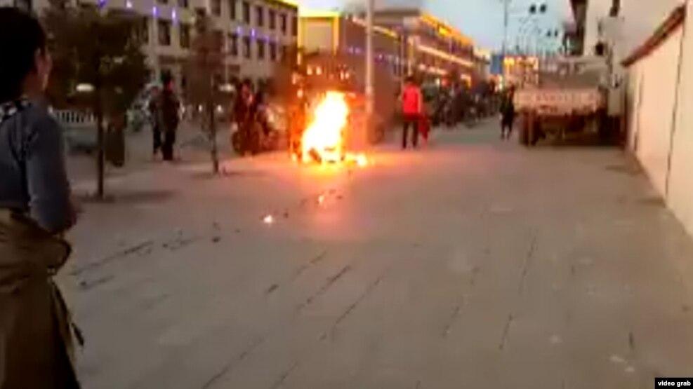 三名藏人因涉嫌传播自焚视频被捕