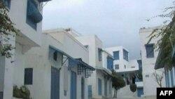 Пустые улицы курортного города Хаммамет.