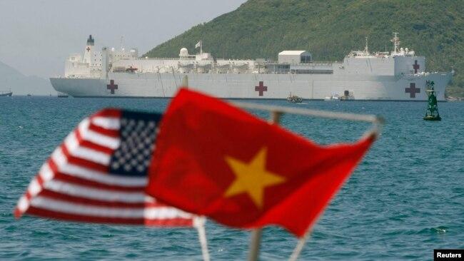 Tàu bệnh viện USNS Mercy thăm cảng Nha Trang, Khánh Hòa