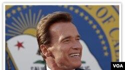 Mantan Gubernur Arnold Schwarzenegger (foto: dok) berteman dengan Presiden Rusia Dmitry Medvedev lewat Twitter.