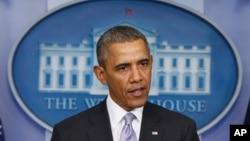 바락 오바마 미국 대통령이 지난 28일 워싱턴 백악관에서 우르카이나 사태에 관해 발언하고 있다.