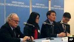 북한 요덕관리소 출신 탈북자 정광일 씨(왼쪽 3번째)와 미국에 정착한 탈북자 그레이스 조 씨(왼쪽 2번째)가 10일 뉴욕 유엔 본부에서 안보리 북한인권 논의에 앞서 기자회견을 했다.