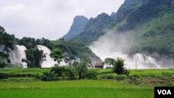 Wilayah pegunungan di Vietnam utara mencatat rekor suhu paling dingin hingga minus-5 derajat Celcius.