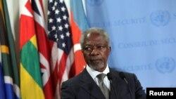 Đặc sứ Annan nói chuyện với phóng viên báo chí sau phiên họp của tại trụ sở Liên hiệp quốc
