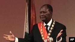 Alassane Ouattara durante o seu discurso ao país