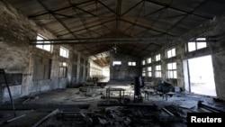 北京郊外一座关门的工厂的厂房(2016年1月18日)