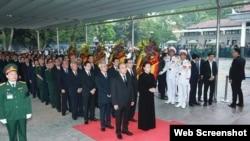 Các lãnh đạo Việt Nam đến viếng tang lễ ông Lê Đức Anh tại Hà Nội, ngày 3/5/2019. Photo Đảng bộ Tp.HCM