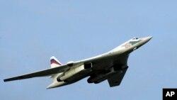 Надзвуковий російський стратегічний бомбардувальник Ту-160