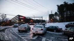 Snežno vreme iznenadilo stanovnike juga SAD