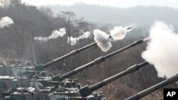 韩国军队在进行实弹军演