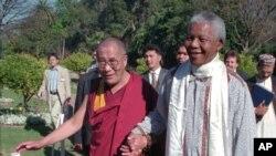 Dalaj Lama sa Mandelom u vreme kada je bio predsednik Južnoafričke Republike