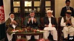 صدر کرزئی نے ستمبر 2010ء میں برہان الدین ربانی کی قیادت میں یہ کونسل قائم کی تھی (فائل فوٹو)
