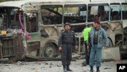 아프가니스탄 수도 카불의 16일 차량 폭탄테러 사건 현장