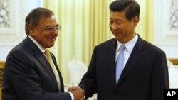 19일 베이징에서 시진핑 중국 국가부주석(오른쪽)과 면담한 리언 파네타 미 국방장관.