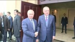 Ankara et Moscou, opposés sur le sol libyen, appellent à un cessez-le-feu
