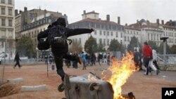 Νέες διαδηλώσεις με επεισόδια στη Γαλλία