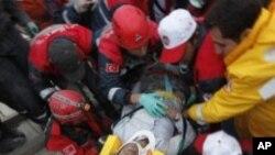 ترکی: زلزلہ کے تیسرے روز دو مزید افراد کو زندہ نکال لیا گیا
