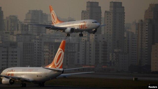 La compañía Gol devolverá 20 naves Boeing 737-300 alquiladas por Webjet.