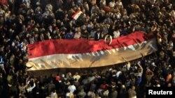 La concentración de poder del presidente Mursi, desató la ira de la población que marcho a la Plaza Tahrir gritando consignas contra el gobernante.