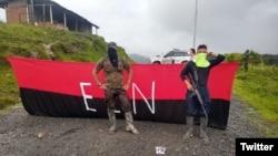 Guérilleros de l'ELN bloquant une route dans le nord-est de la Colombie entre le 14 et 16 février 2020. (Twitter)