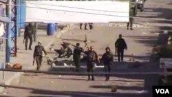 Militer Suriah dilaporkan mengepung posisi pembangkang Suriah di dekat perbatasan Turki (foto: dok).