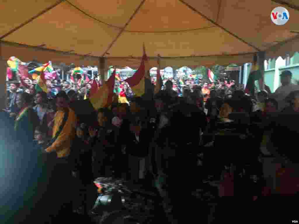El presidente de Bolivia, Evo Morales, presentó este domingo su renuncia. El mandatario anunció su decisión ante la presión social y la violencia desatada en las últimas horas en el país. Foto: Fabiola Chambi - VOA.